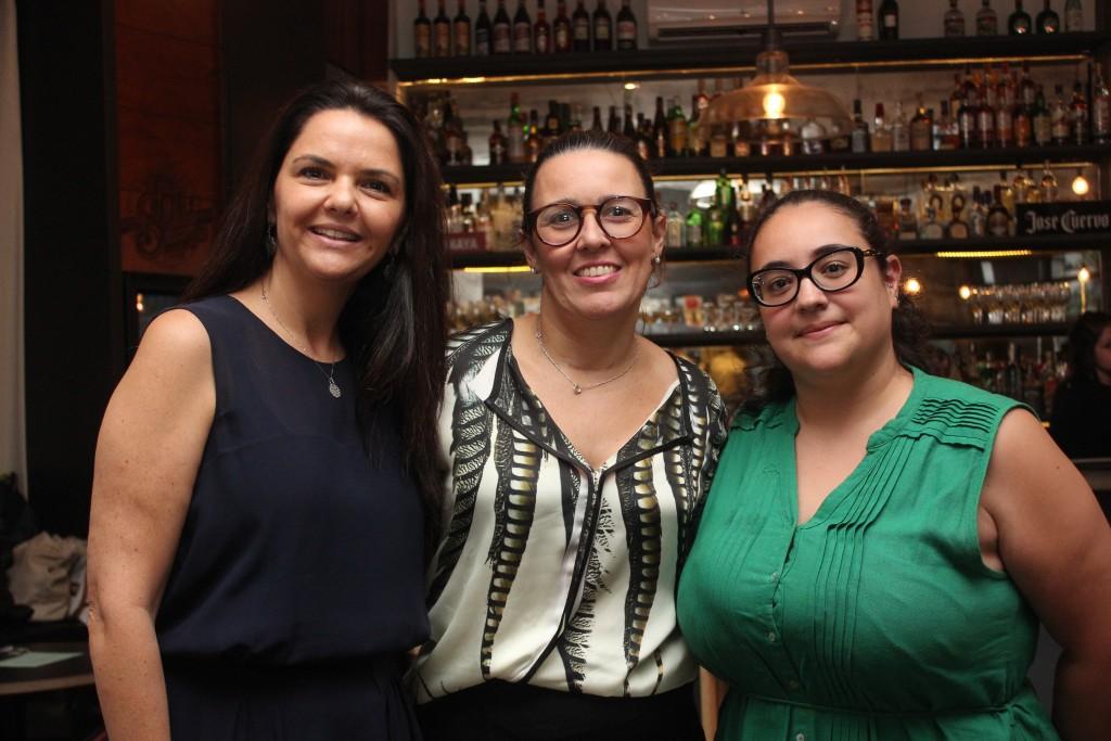 Ao centro a gerente de MKT de Los Cabos, Fernanda Cecco Barone com Flavia Pacheco, do One&Only Resorts e Pamella Marques, do Las Ventanas Resort