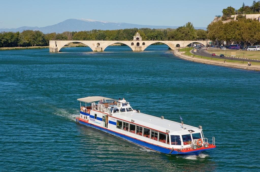 Naviguer sur le Rhône.