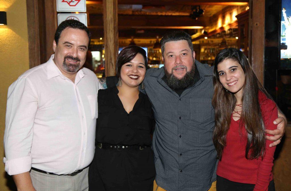 Os sócios do TurismoEtc com Isabelle Alegro e Andressa Alves, ambas da Hatsur Comunicação