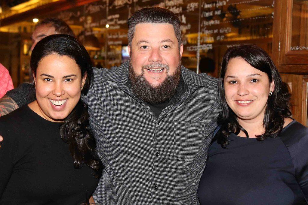 Renata Medeiros e Pariscila Fabri, do Grupo Flytour Gapnet com Luciano Palumbo