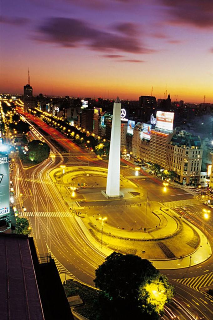 Obelisco nocturna