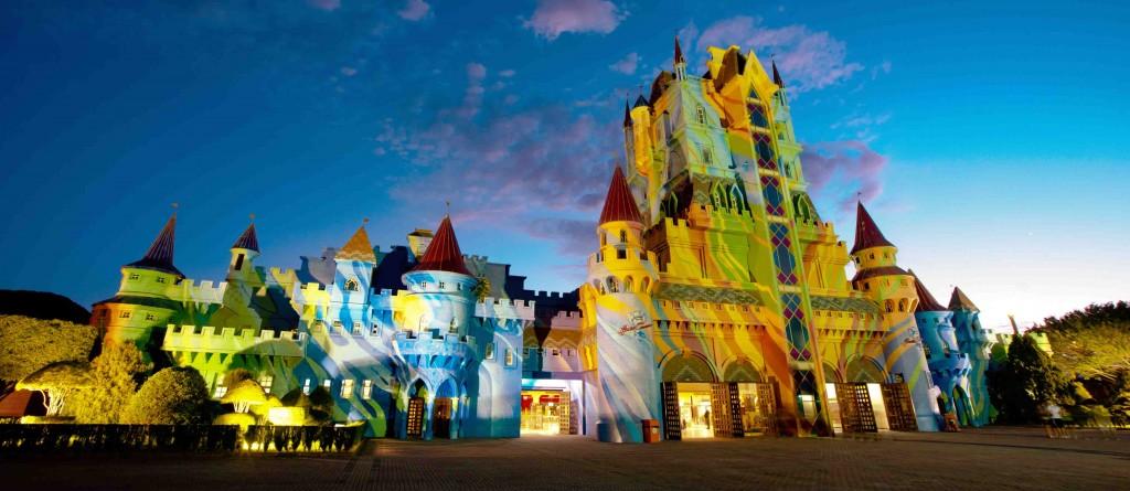 Fachada iluminada do Castelo de Beto Carrero - Foto: Divulgação