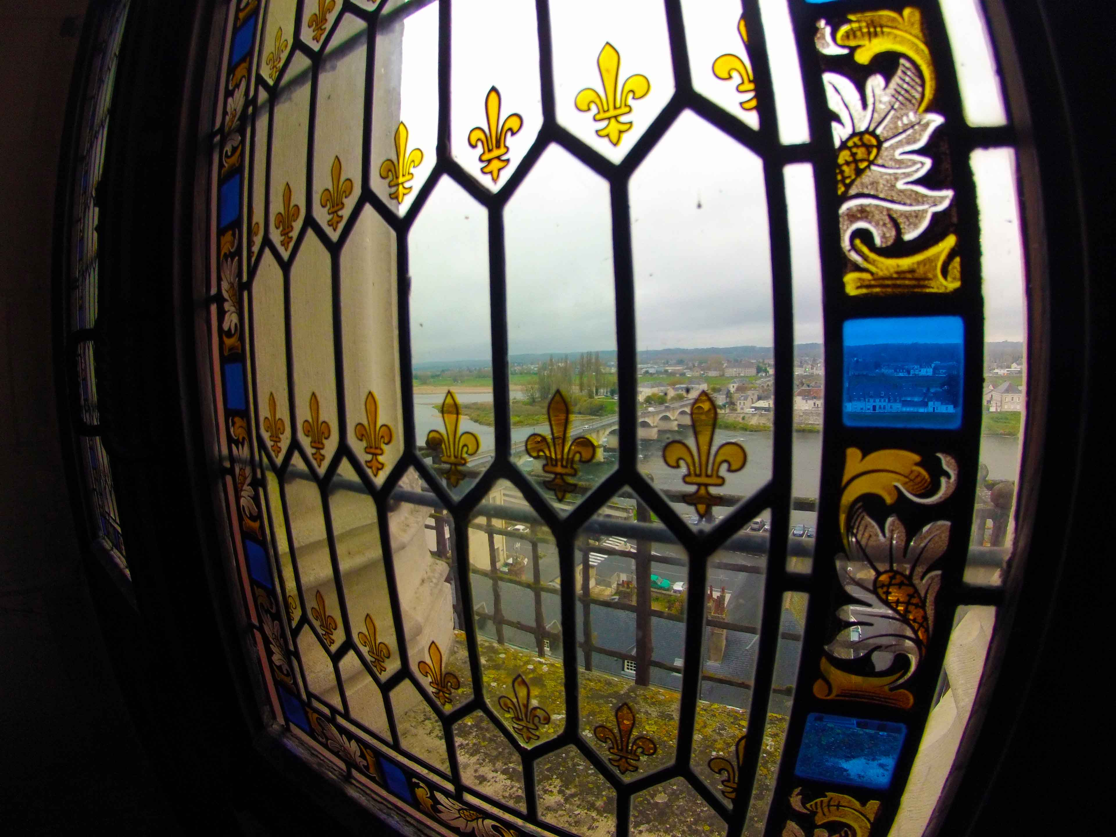 Detalhe dos vitrais no Château de Amboise