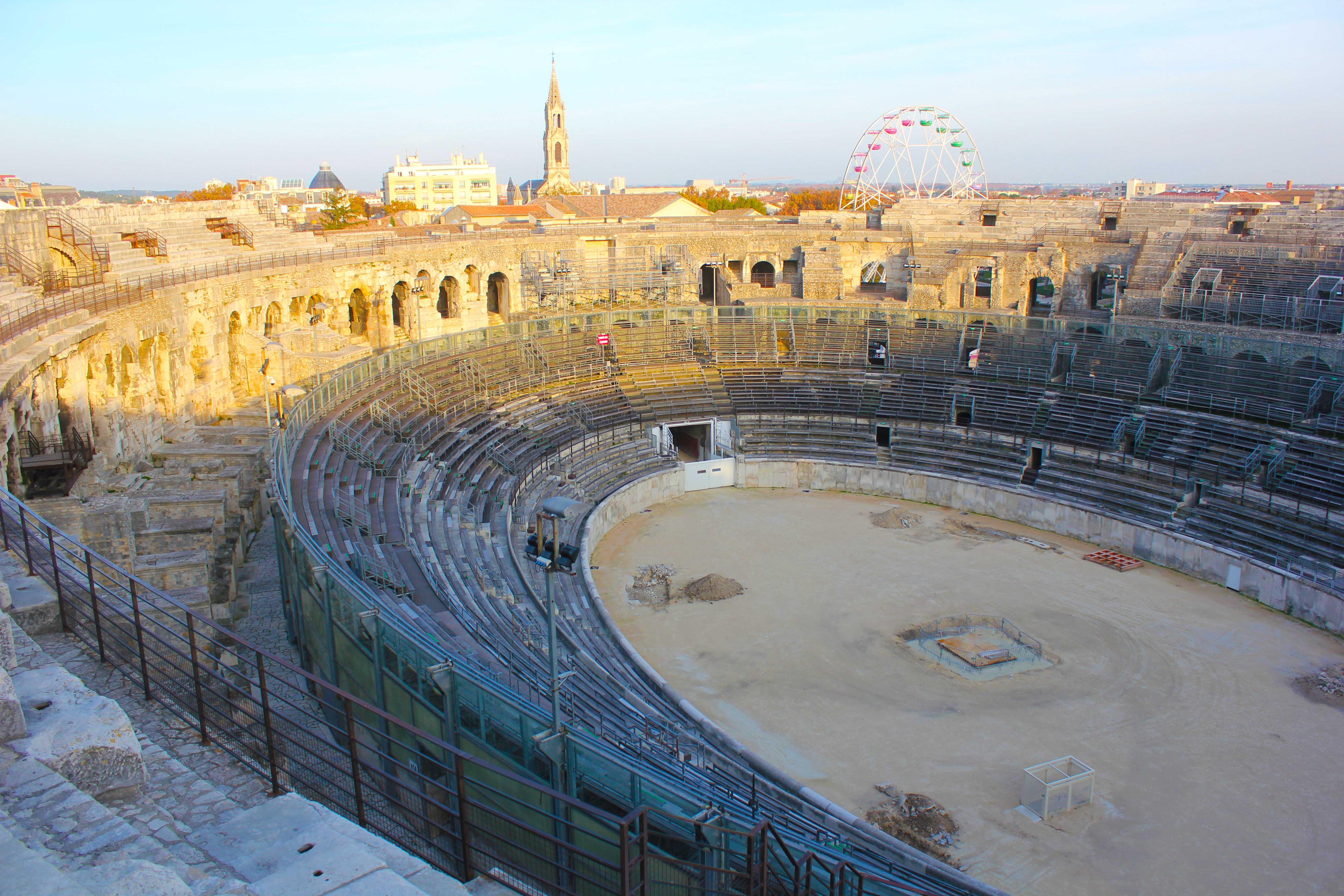 Parte da Arena de Nimes. O local estava em período de reparo quando realizamos a visita por lá