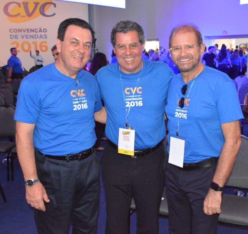 Patriani, Falco e Guilherme Paulus: os dirigentes da operadora na convenção (fotos divulgação)