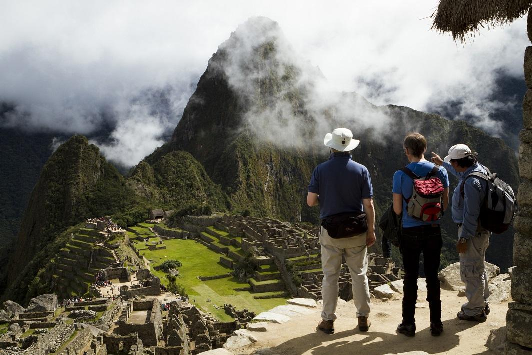 Turistas em Machu Picchu - (Fotos: Divulgação Promperú)