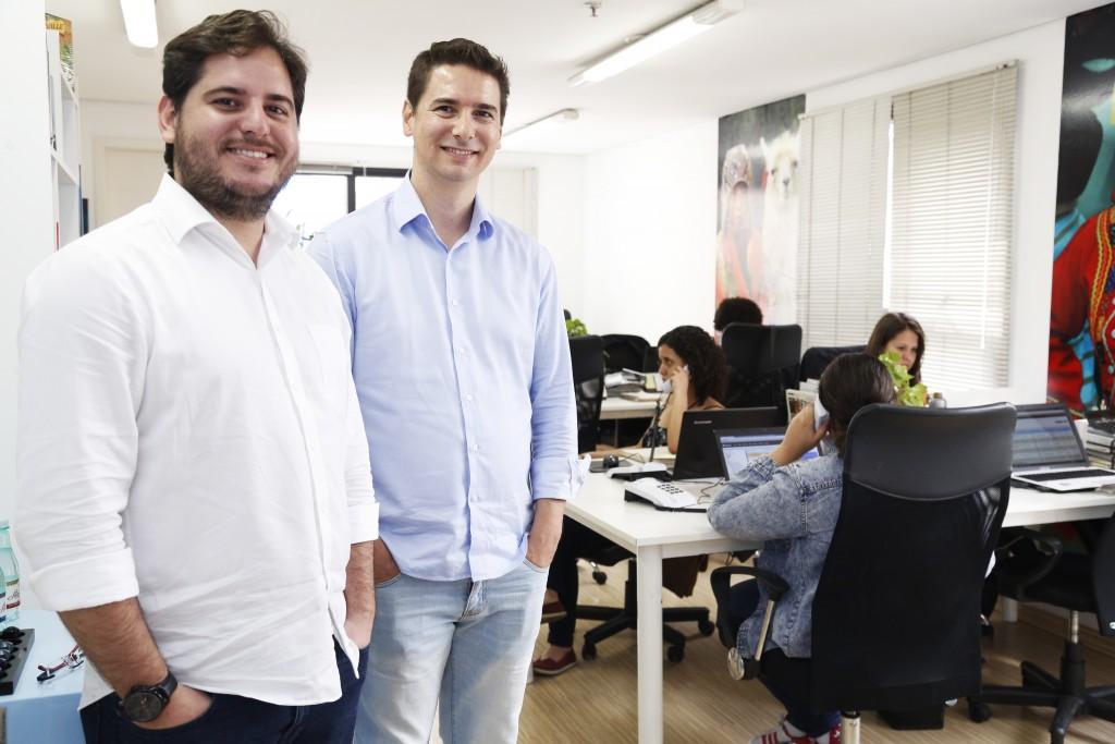 Willian (de branco) e Ricardo Cavalcante, sócios-diretores da Machu Picchu Brasil (fotos divulgação)