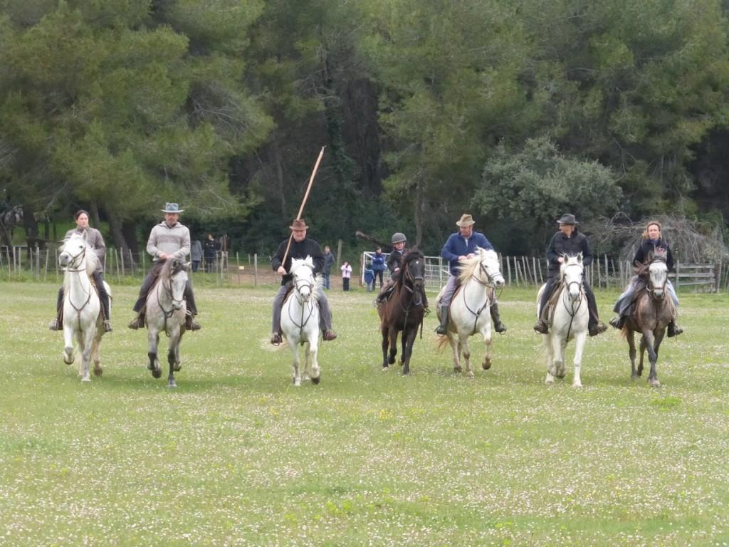 Os vaqueiros e as vaqueiras que fizeram a apresentação: alguns são voluntários e participam para manter viva a tradição