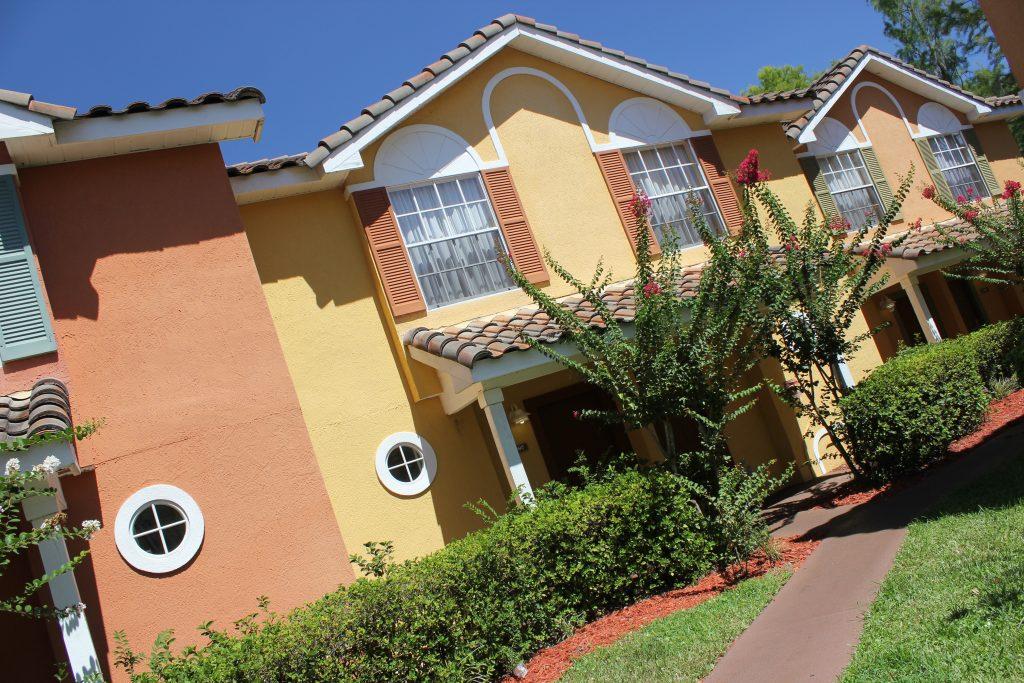Fachada de uma das vilas do Best Western Premier Saratoga Resort Villas