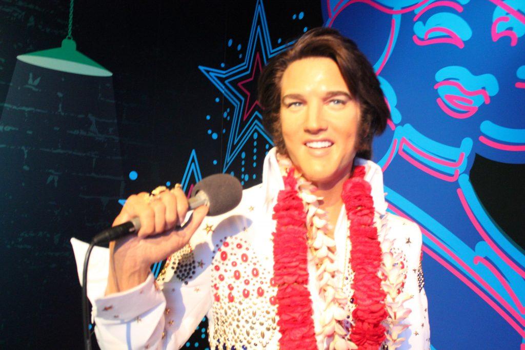 Imagem do rei Elvis Presley no Madame Tussauds