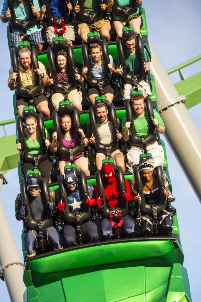 Super heróis sentem a adrenalina na Incredible Hulk (foto Universal Orlando Resorts)