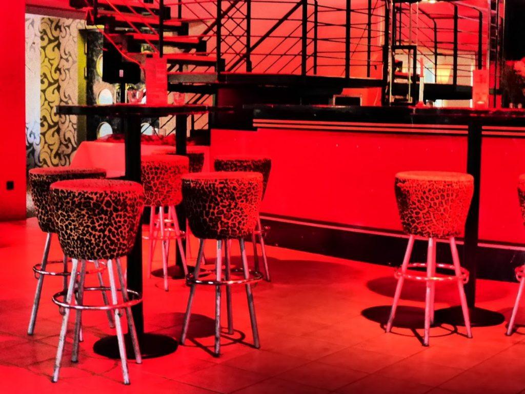 O bar estilo oncinha