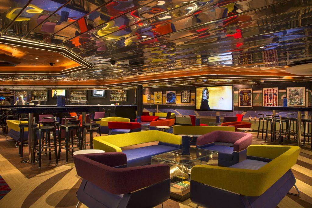 Um dos bares do Monarch