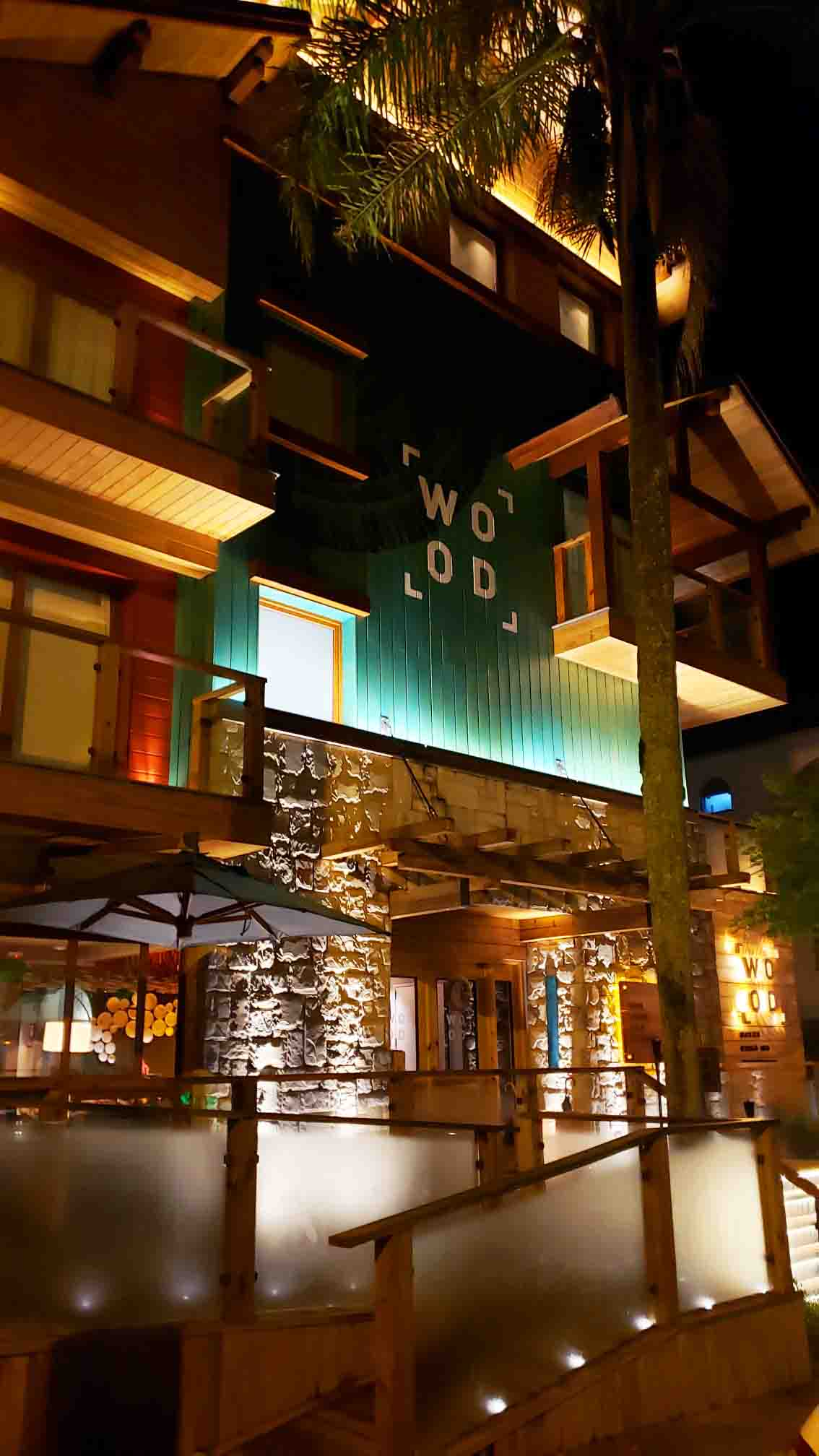 Fachada do Hotel Wood